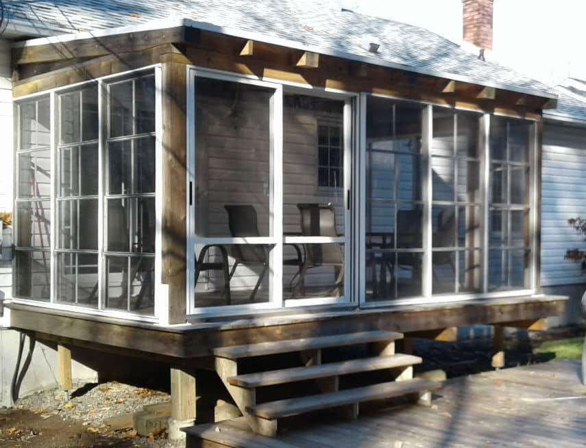 Porte et fenêtres installé sur une véranda solto