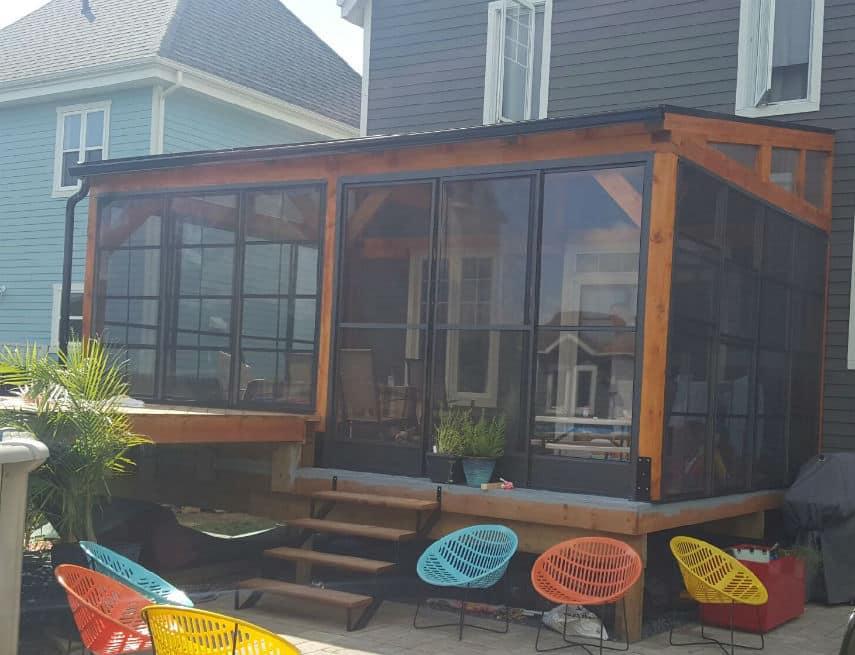 Auvent de balcon Solto avec fenêtres coulissantes en polymère
