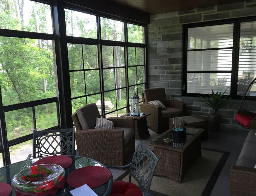 frais decoration interieur avec fenetre guillotine. Black Bedroom Furniture Sets. Home Design Ideas