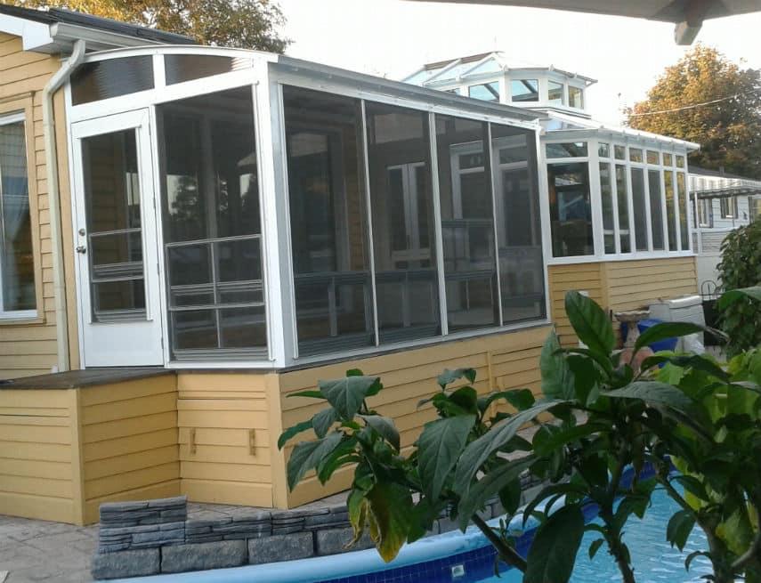 Solarium construit sur la rive-sud de Montréal