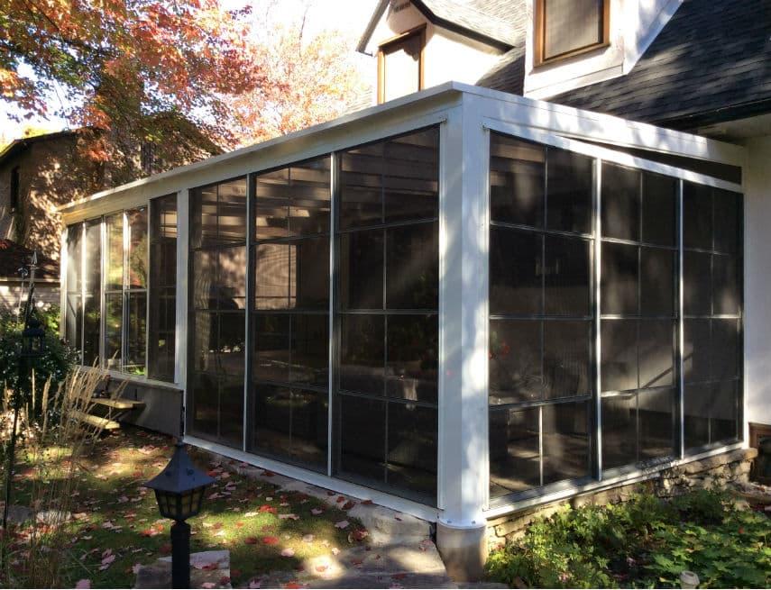 Solarium zen sur maison canadienne