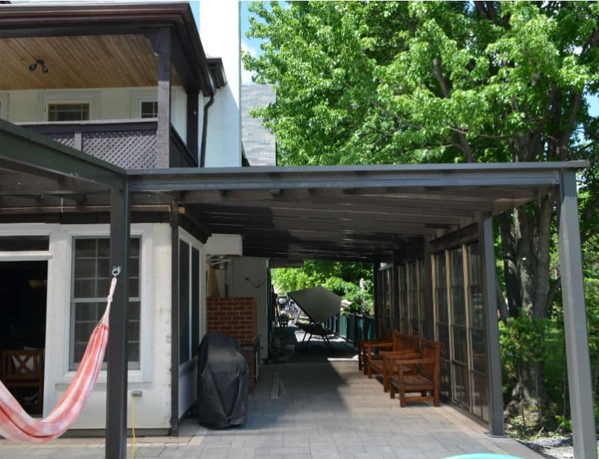 Projet spécial à Terrebonne d'un auvent de balcon