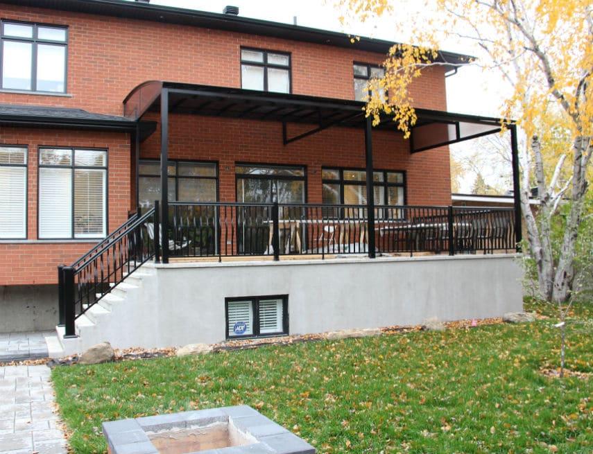 Abri balcon sur mesure à Laval