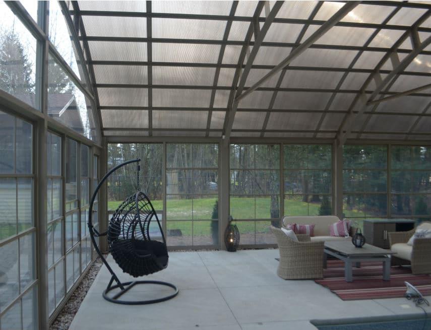 Abri piscine installé à Rimouski