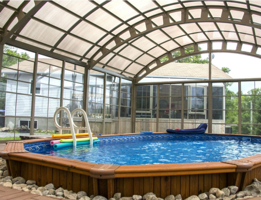 Abri de piscine de 14' de haut à Rimouski